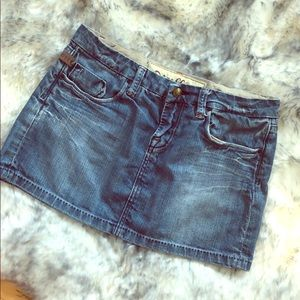 💛3 for $20💛 Distressed jean skirt